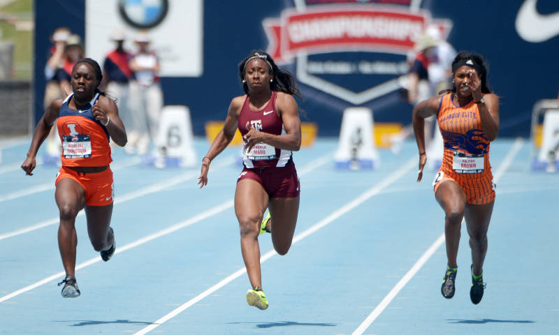 Morolake Akinosun (Left) beat Jennifer Madu (Centre) to the US Junior 100m title in 2013.  (Photo Credit: Texas A&M Athletics)