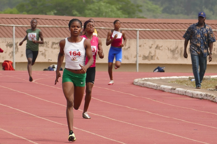 Fresh from winning Silver at the African Juniors,  Tobi Asamu dominated the women's 400m in Ibadan.