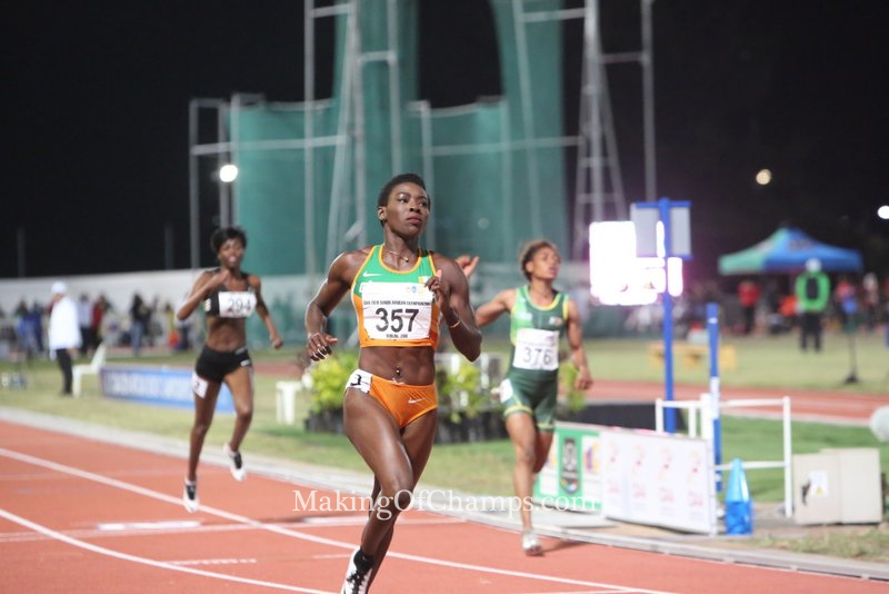African Record holder in the women's 100m easily wins her race in the semis.