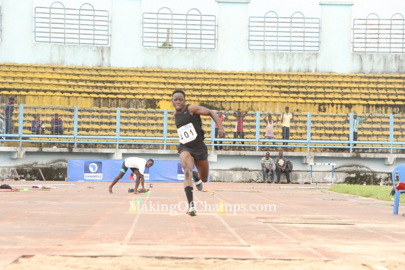 Olumide Olamigoke's winning jump of 16.70m